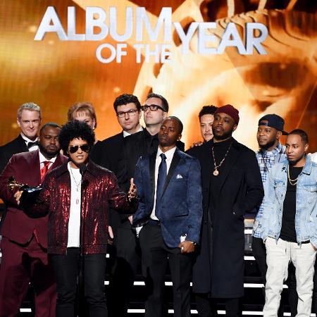 Bruno Mars agradece prêmio de álbum do ano no Grammy 2018 - Getty Images