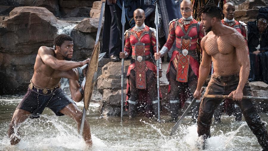 """Chadwick Boseman e Michael B. Jordan em cena de """"Pantera Negra"""" - Marvel Studios 2018"""