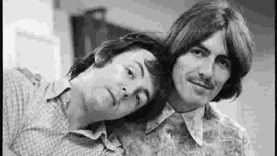 Paul McCartney e George Harrison  - Reprodução/Twitter