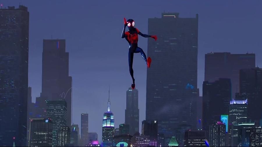 """Miles Morales em ação em """"Homem-Aranha no Aranhaverso"""" - Divulgação"""