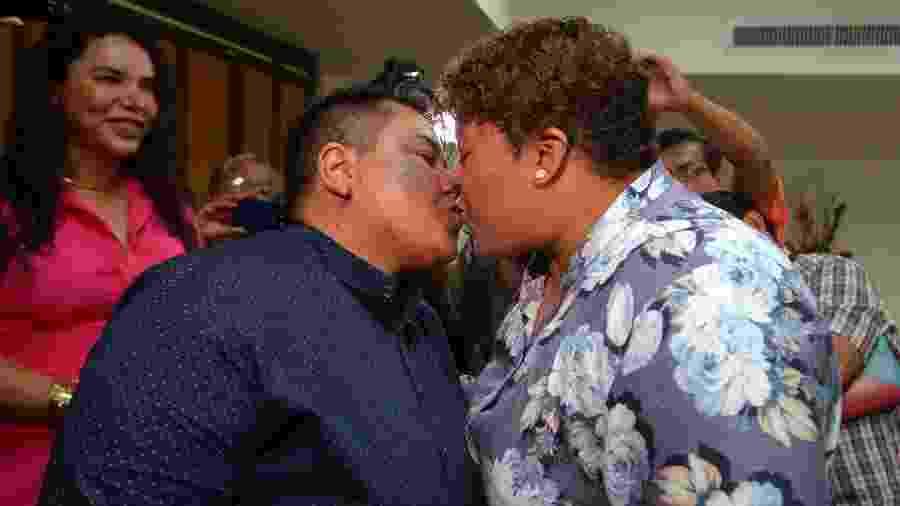 Alexandra Chavez e Michelle Aviles celebram seu casamento, o primeiro do Equador para casais do mesmo sexo - AFP