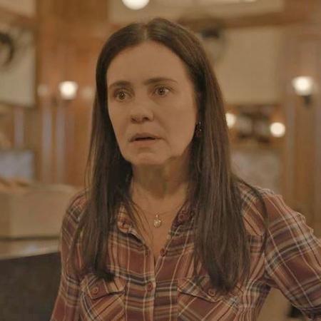 """Adriana Esteves (Thelma) em """"Amor de Mãe"""" - Reprodução/Rede Globo"""