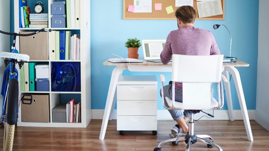 Trabalho remoto foi lançado como alternativa às aglomerações nas repartições públicas - Getty Images