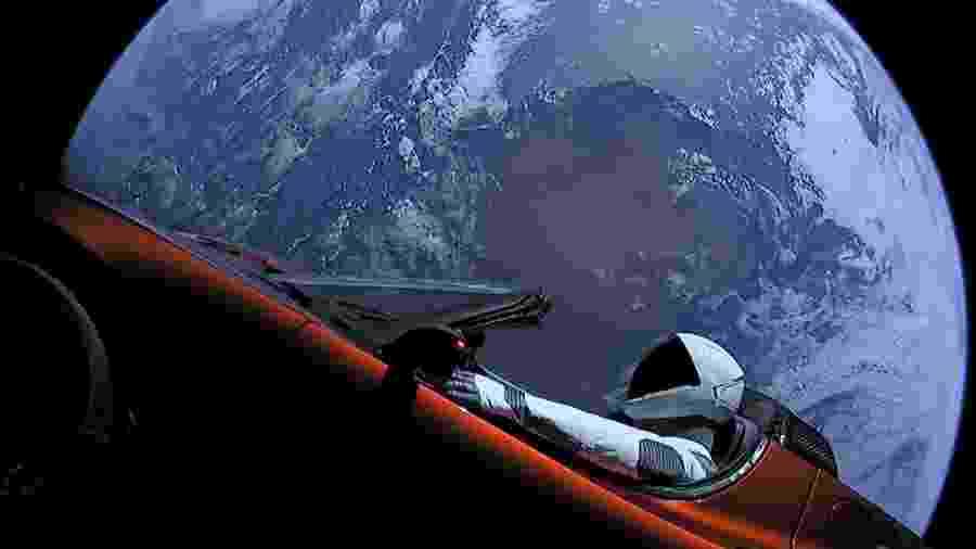 Tesla Roadster no espaço - Divulgação