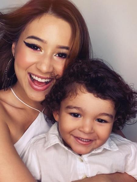 Aymee com o filho Pedro Lucas, hoje com 2 anos. - Reprodução