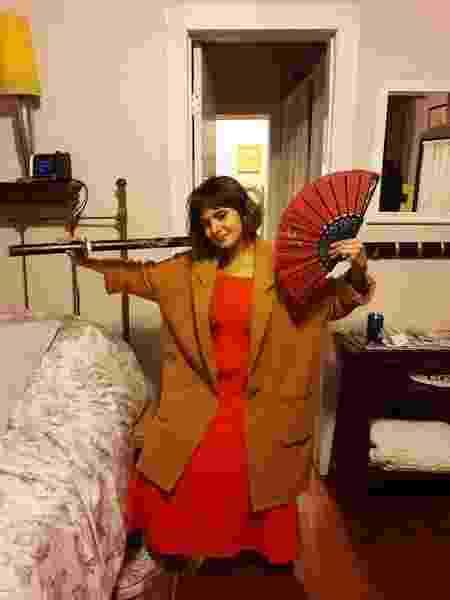 Monique com o vestido que marcou sua história - Arquivo pessoal - Arquivo pessoal