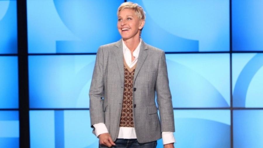"Ellen DeGeneres no comando de seu talk show, ""Ellen"", na TV norte-americana - Reprodução"