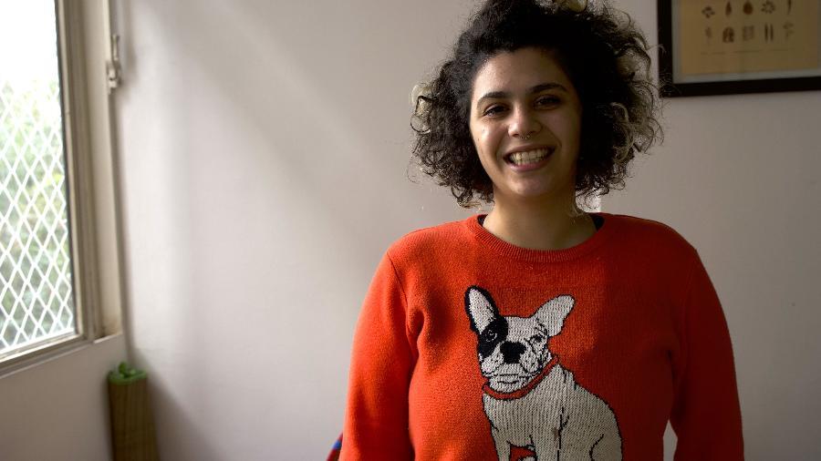 Milena com o blusão da amiga, Priscilla - Arquivo Pessoal