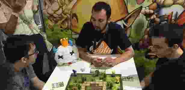 Editora de jogos de tabuleiro espera faturar R  15 milhões em 2015. Pablo  Raphael UOL 193b494fca476