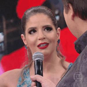 """6.dez.2015 - Mariana Santos conversa com Faustão durante a final da """"Dança dos Famosos"""" - Reprodução/TV Globo"""