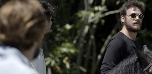 """Nos últimos capítulos de """"Além do Tempo"""", Pedro tenta sabotar Felipe - Reprodução/Gshow"""