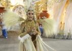 Nicole Bahls perde a aliança de noivado durante desfile; veja o momento - Felipe Assumpção / AgNews