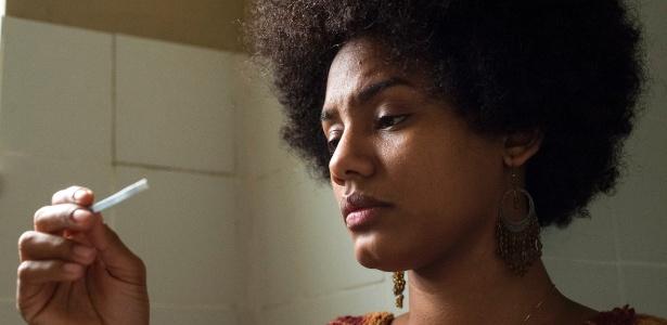 Rose (Jéssica Ellen) descobre que está esperando um filho - Estevam Avellar/TV Globo