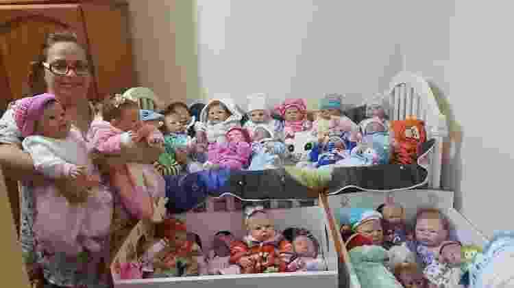Cristina Rodrigues, 43, de Santa Maria (RS), tem cerca de 30 bonecas reborn; personagem de matéria de UOL Comportamento - Arquivo Pessoal - Arquivo Pessoal
