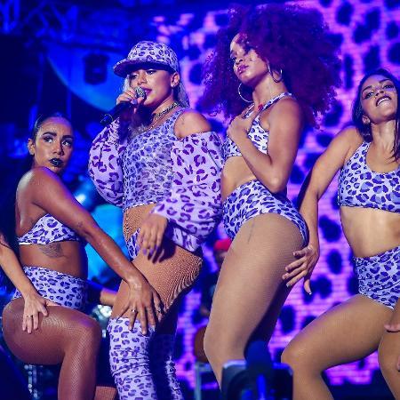 Anitta chamou a atenção do público com um look ousado - Jefferson Bernardes / Agência Preview