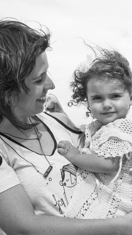 A psicóloga e escritora Renata Magliocca com a filha Nina - Tracy Figg Fotografia/Arquivo Pessoal