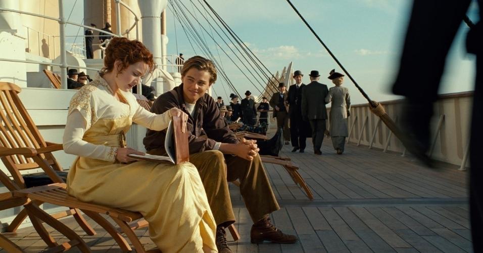 """Leonardo DiCaprio e Kate Winslet em cena de """"Titanic"""" (1997)"""