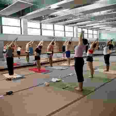 Aulas de ioga duram uma hora - Divulgação