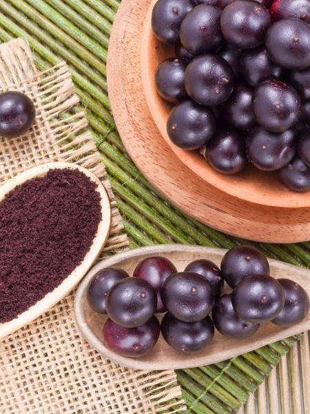 O açaí tem antioxidantes e ajuda a combater a inflamação crônica, associada ao declínio de força muscular - iStock