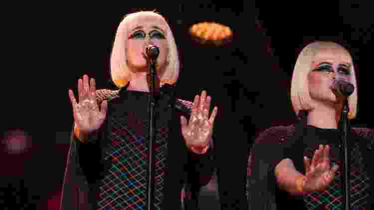 Holly Laessig e Jess Wolfe, da banda Lucius, que fazem os backing vocals do show de Roger Waters - Emerson Santos/FotoArena/Estadão Conteúdo - Emerson Santos/FotoArena/Estadão Conteúdo