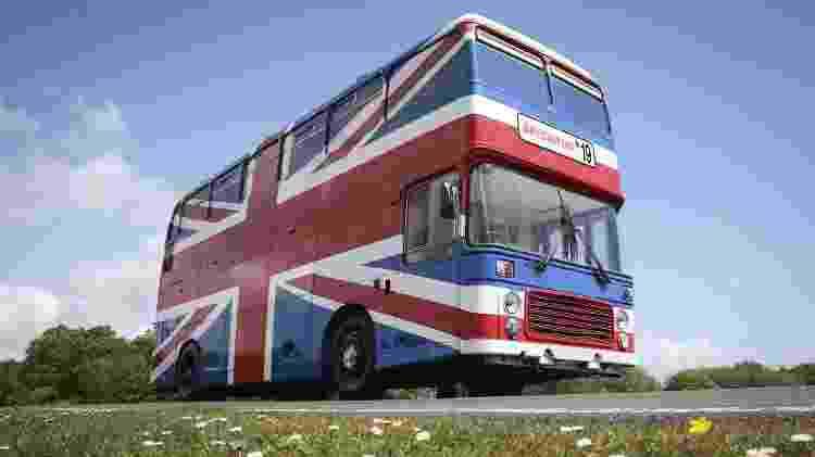 """O icônico Spice Bus, utilizado no filme """"Spice World"""", vira hospedagem em Londres - Divulgação/AirBnB - Divulgação/AirBnB"""