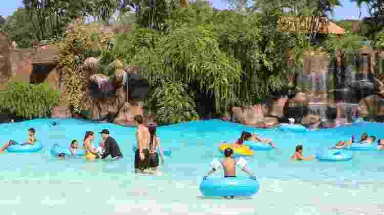 Uma das piscinas com ondas do Thermas dos Laranjais - Divulgação