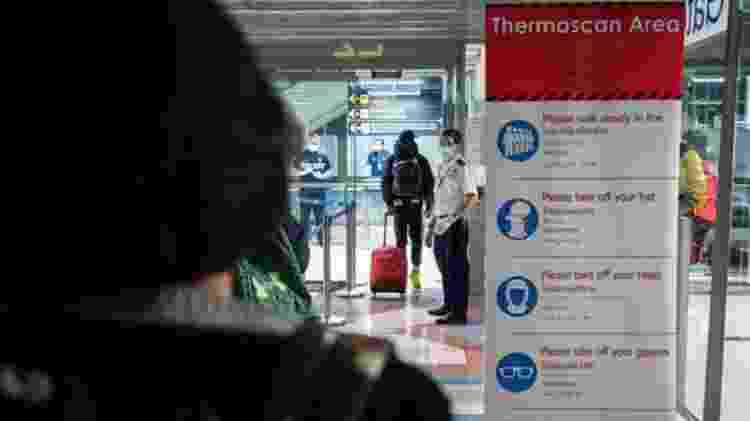 Escaneamento de temperaturas em aeroportos pode ajudar a detectar pessoas infectadas - GETTY IMAGES - GETTY IMAGES