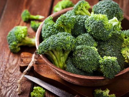 Brócolis fazem bem ao cérebro: confira 9 benefícios desse vegetal -  05/05/2020 - UOL VivaBem