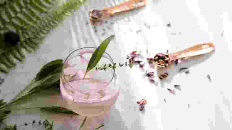Mais suave, o gim pink é ideal para coquetéis mais leves (qualquer que seja o gênero do bebedor) - Getty Images - Getty Images