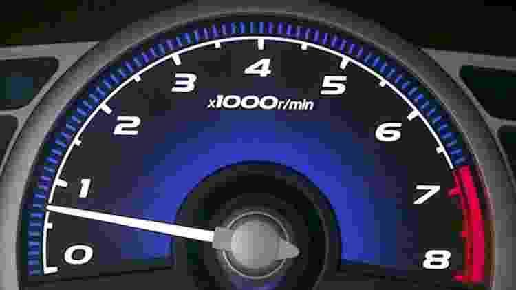 Manter o conta-giros em rotações mais baixas nos quilômetros iniciais é recomendação das montadoras - Reprodução