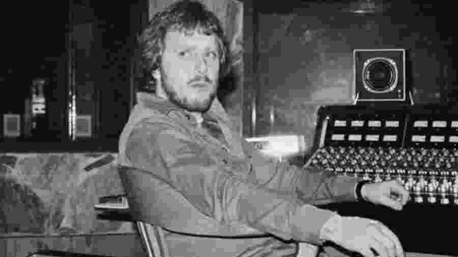 Martin Birch foi engenheiro de som e produtor de clássicos dos anos 1970 e 1980 - Reprodução/Twitter