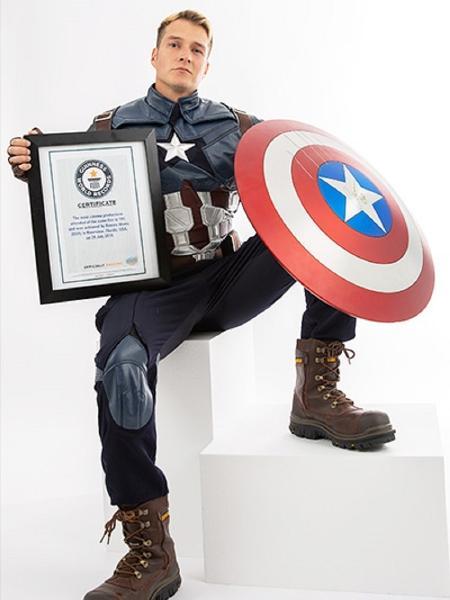 """Romiro Alanis assistiu """"Vingadores: Guerra Infinita"""" 191 vezes e entrou para o Livro dos Recordes - Divulgação/Guinness World Records"""