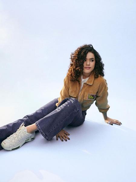 Maísa, da geração Z: jeans mais soltinhos nos looks - Reprodução/Instagram