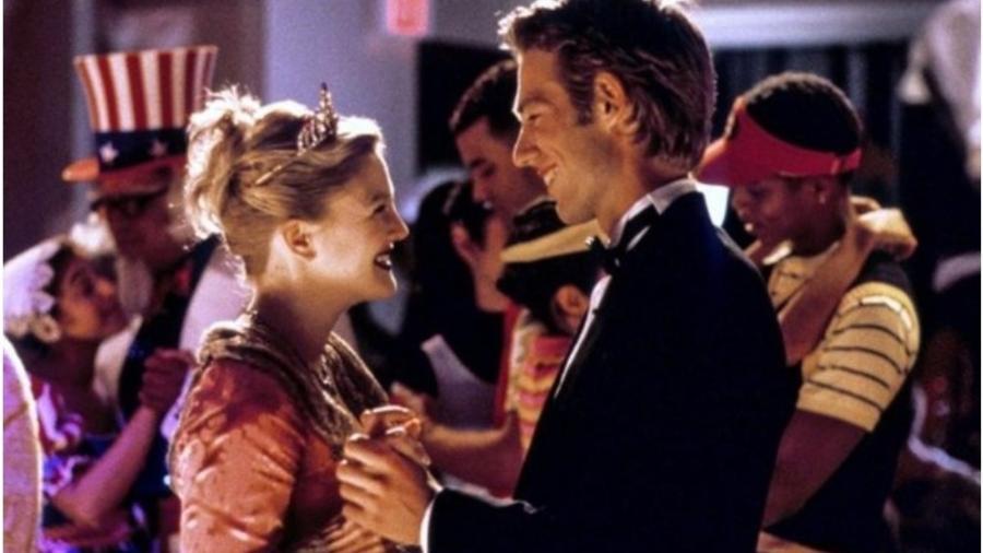 """Drew Barrymore e Michael Vartan em cena do filme """"Nunca Fui Beijada"""" - Reprodução"""