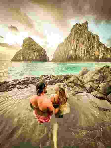 Casal de turistas em registro feito pelo guia-fotográfico em Noronha - Arquivo Pessoal - Arquivo Pessoal