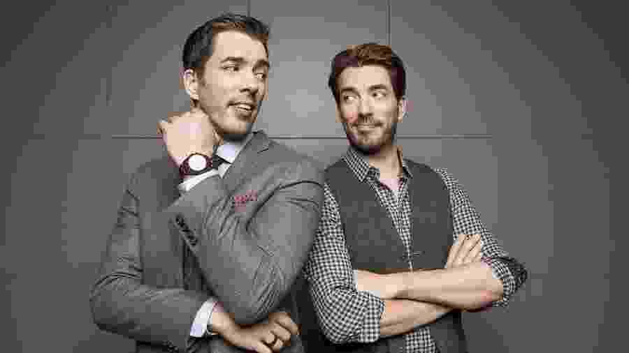 """Os irmãos Drew e Johnattan Scott de """"Irmãos à Obra: O Duelo"""" (Discovery Home & Health) - Reprodução/Facebook"""