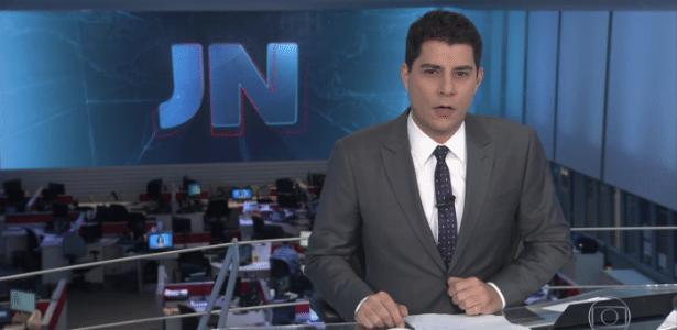"""4.jun.2016 - Evaristo Costa se confunde e diz """"boa tarde"""" no """"Jornal Nacional"""" - Reprodução/TV Globo"""