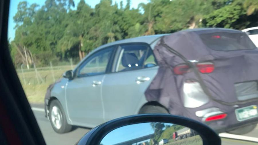 Hatch tem linhas discretas e traços que, de traseira, remetem a um carro alemão (alô, Volkswagen!) - Julio Yamawaki/UOL