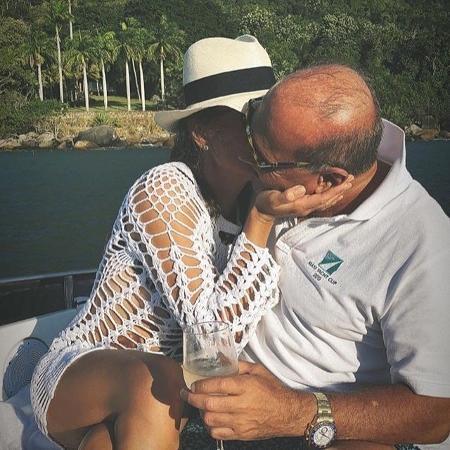 Marcelo e Simone curtiram um final de semana romântico na praia - Reprodução/Instagram/@simoneabdelnuroficial