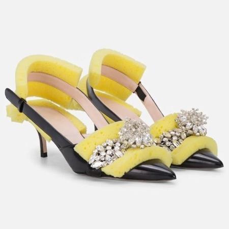 Sponge Crystal Slingback Heels - Divulgação