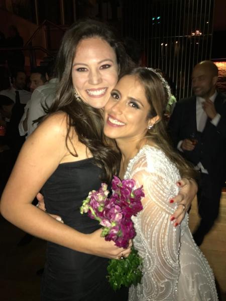 Camilla Camargo com a amiga Amanda Di Piero, que pegou seu buquê de casamento - Arquivo pessoal