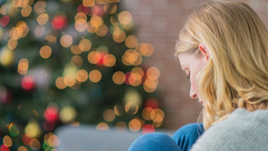 De acordo com o CVV, ligações aumentam 20% durante o mês de dezembro - iStock Images