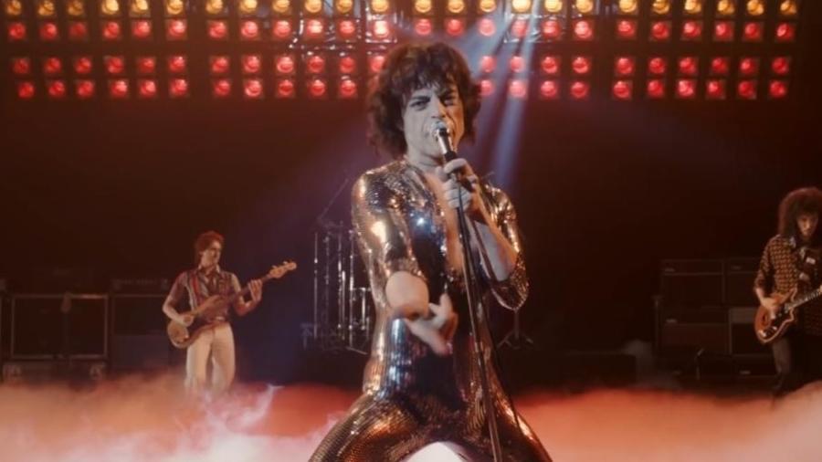 "Rami Malek em cena de ""Bohemian Rhapsody"" - Divulgação/IMDb"