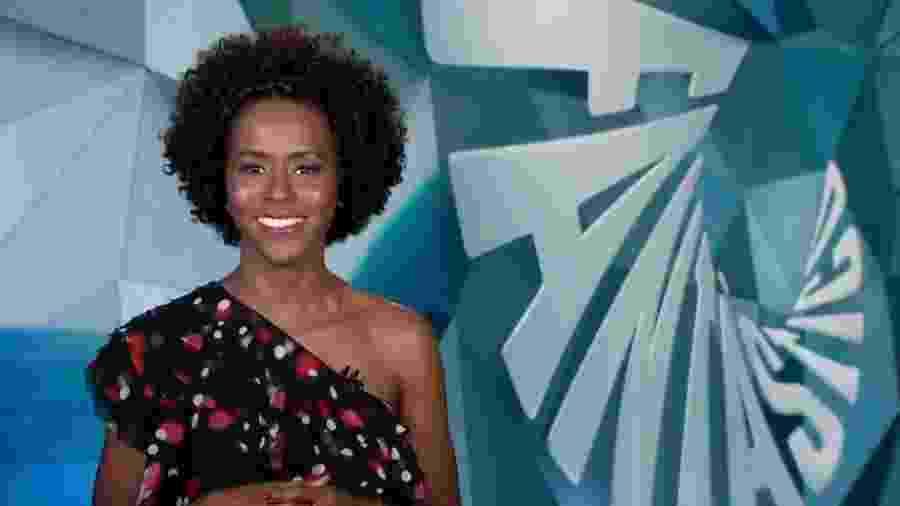 """Maju Coutinho não foi muito ela na sua rápida passagem pelo """"Fantástico"""" - Reprodução/TV Globo"""