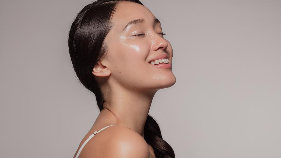 BB Glow surgiu na Coreia do Sul, onde as mulheres cuidam da pele e adoram o efeito iluminado - iStock