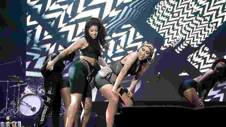Blaya e Anitta em show no MEO Sudoeste, em Portugal - Reprodução/Twitter