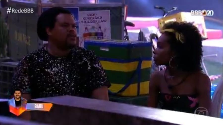 Na festa Favela e Asfalto, Babu e Thelma conversam sobre a situação do ator no BBB 20  - Reprodução / TV