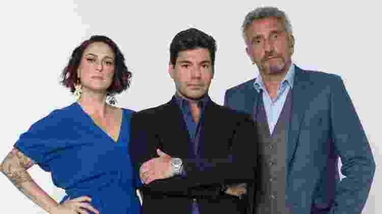 Felipe Bronze com os jurados Ailin Aleixo e Emmanuel Bassoleil - Antonio Chahestian/Record TV - Antonio Chahestian/Record TV