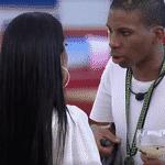 BBB 21: Lucas conversa com Pocah no gramada - Reprodução Globoplay