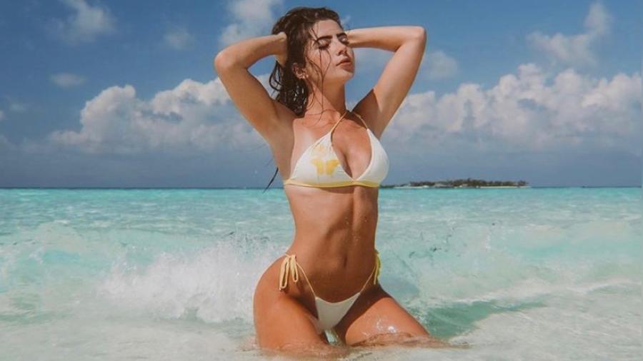 Jade Picon posa nas águas cristalinas das Maldivas - Reprodução/ Instagram @jadepicon